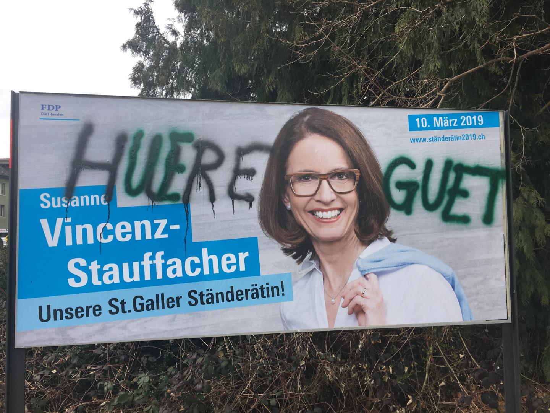 Wahlplakate mit sexistischer Botschaft verunstaltet